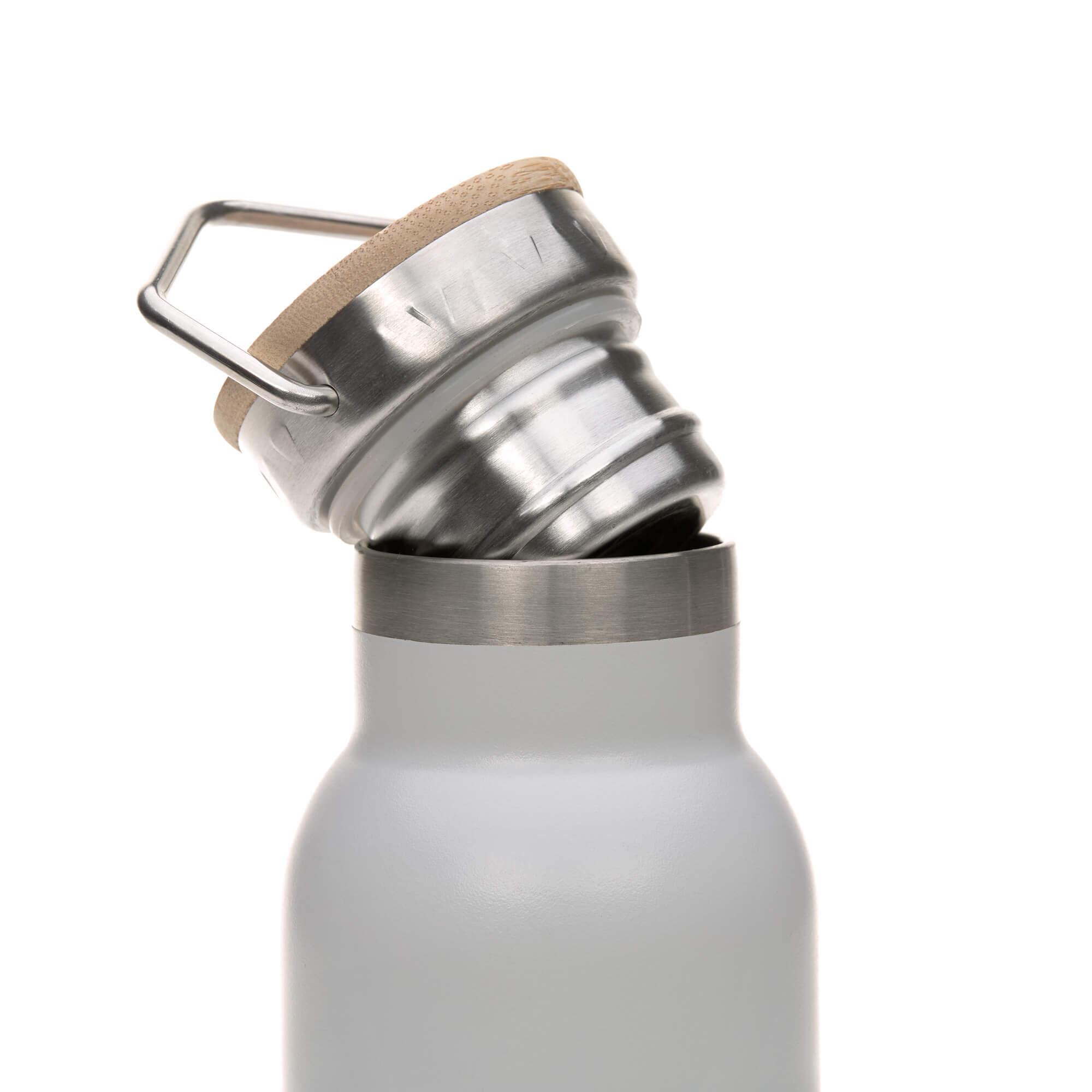 Lässig Trinkflasche Edelstahl isoliert